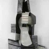 Pablo Picasso (Málaga, Espanha, 1881- Mougins, França, 1973) Guitare, 1924. Construção em chapa de metal recortada e dobrada, caixa de ferro e arame pintados, 111×63,5×26,6 cm. Musée national Picasso-Paris. Foto: © RMN-Grand Palais