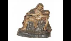 Anônimo. Nossa Senhora da Piedade, século XVIII. Barro cozido e policromado. Procedência desconhecida. Acervo do Museu de Arte Sacra de São Paulo.