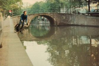 Bas Jan Ader (Winschoten, 1942- Atlântico, 1975), Fall I e II, 1970.